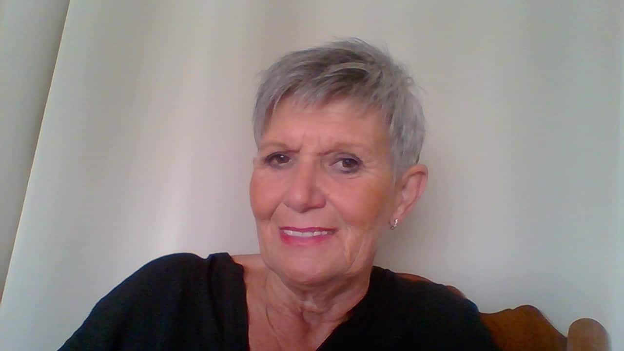 Luminothérapie Luxembourg - Thérapeute Chantal Van Spaandonck à l'institut de beauté P'Osez